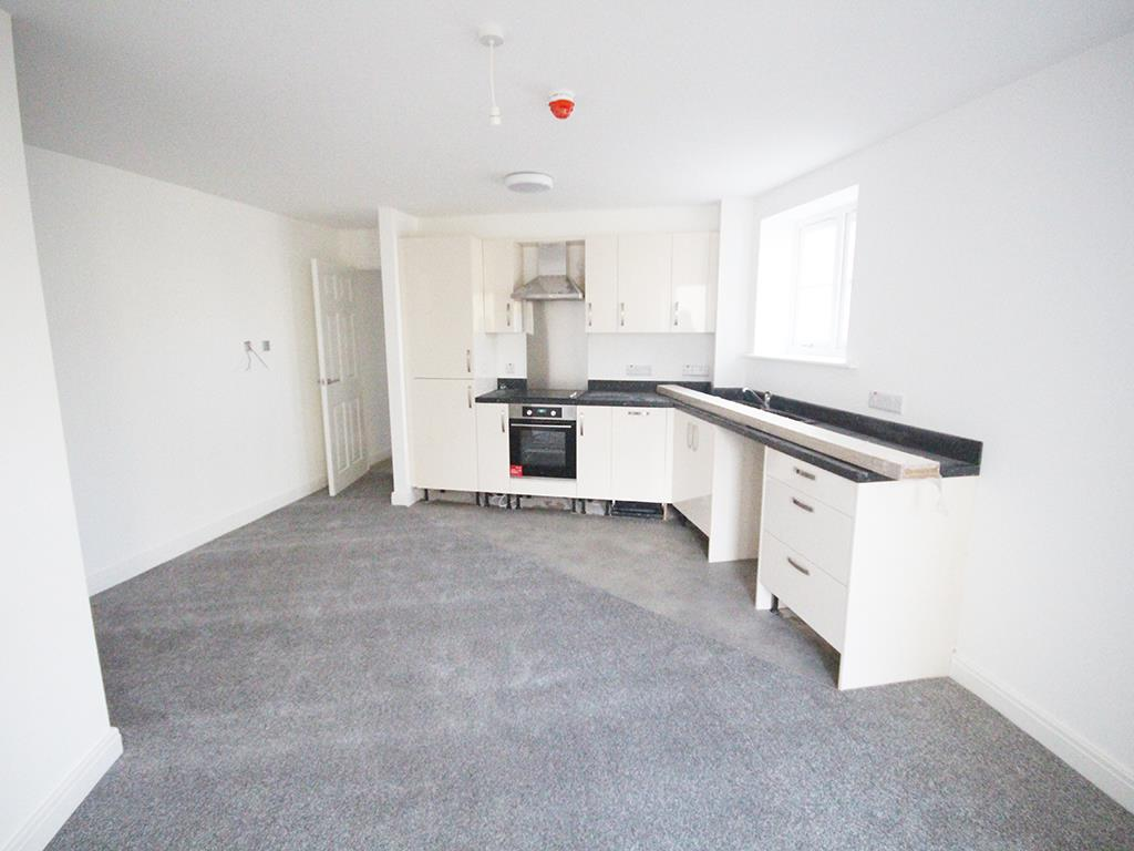 2 bedroom apartment To Let in Earby - IMG_5055.jpg
